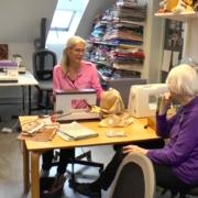 Karen Romvig fra tekstilværkstedet Nål og Tråd