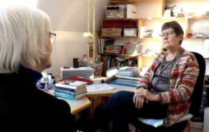 Alice Steinov i samtale med Senior TV Østjylland.